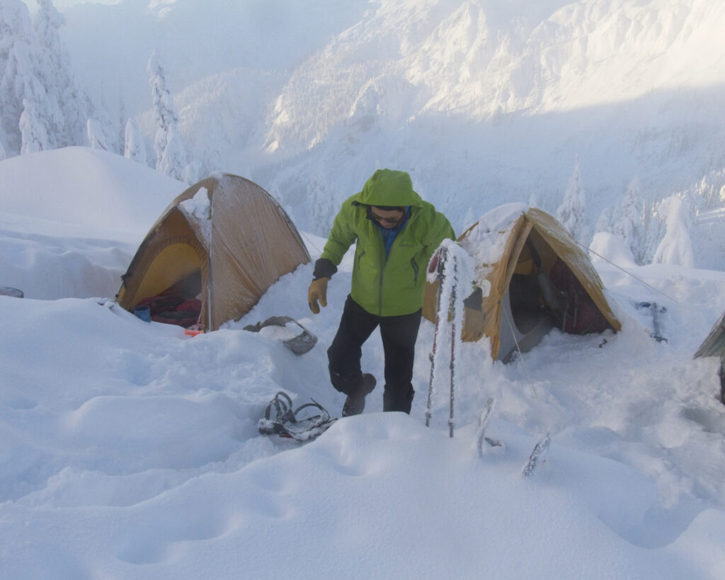3- and 4-season tents snow camping